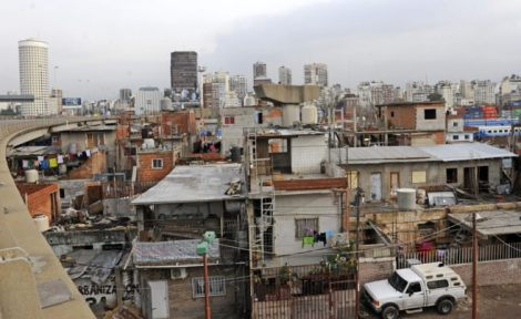 Buenos Aires (visto desde la carretera que lleva al centro de la capital).