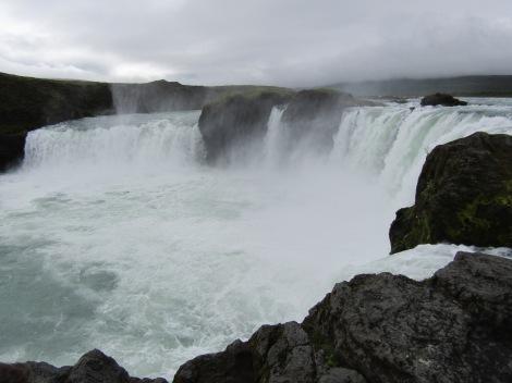 Goðafoss (en islandés, 'Cascada de los dioses').